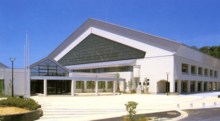 津幡運動公園体育館